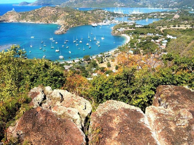 Antigua and Barbuda Blick auf English Harbour trip caraibes